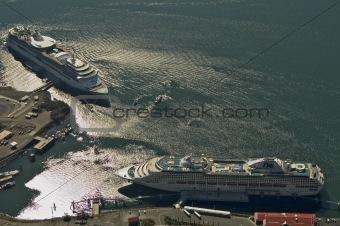 cruiseships at port