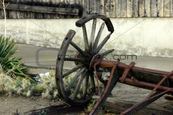 Old Antique & Broken Wagon Wheel