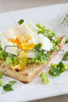 Broadbeans on toast