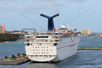 Cruise ship rear view