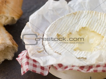 Baked Camembert with Crusty French Bread