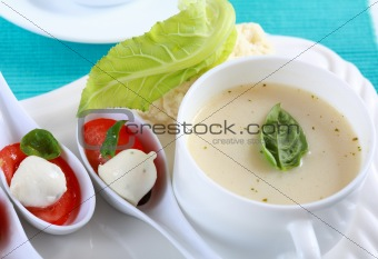 Cauliflower soup with fresh basil