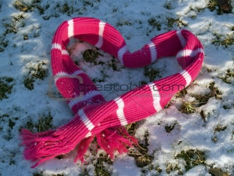 """Messages"": Snowy Scarf in a Valentine Heart Shape"