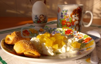 cottage cheese with jam, milk and cookies