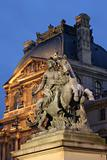 Louvre - statue