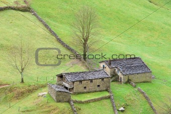 Houses of the valley of the Pas