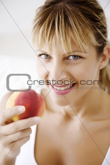 eating peach