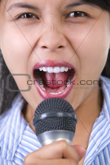 Shouting with microphone