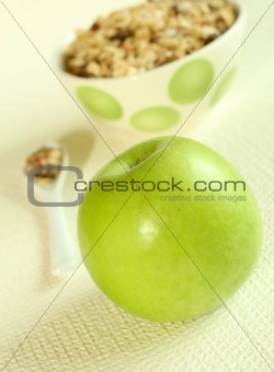 Green apple and muesli