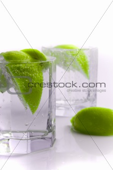 water with lime slices
