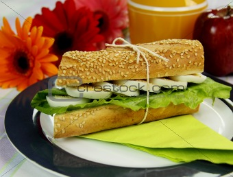 Egg And Lettuce Roll
