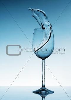 Liquid Splashing from a Wine Glass