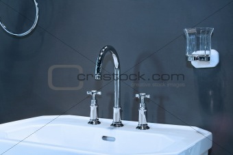 Classic basin