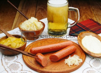 Sausages with mustard and beer