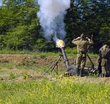120 mm mortar firing