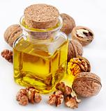 Walnut oil with nuts