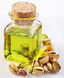 Pistachio oil with nuts