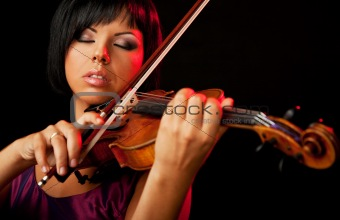 woman violinist