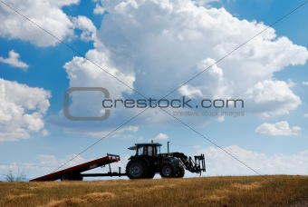 Agricultural tractor and trailer