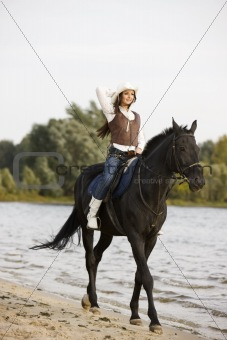 Woman ride the horse