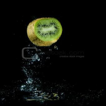 kiwi splashing out of water