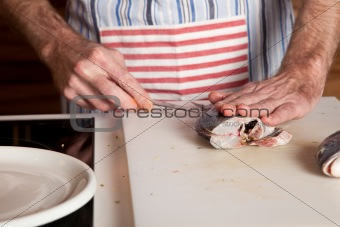 Cutting the fish