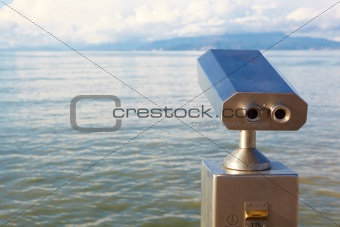 Coin operated viewer