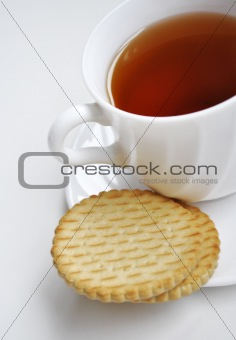 Black tea and cookies