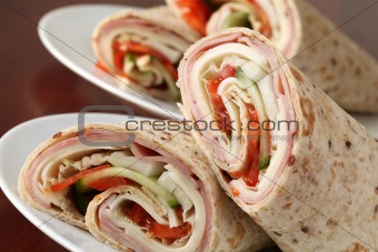 Tortillas with ham, cheese and vegetables