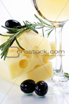 Olive, cheese and white wine