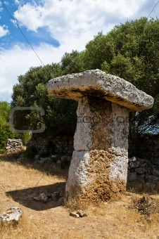 Torretrencada megalithic table