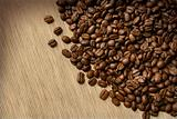 Coffee_beans_on_burlap