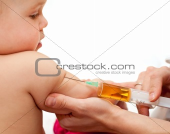 Little baby get an injection