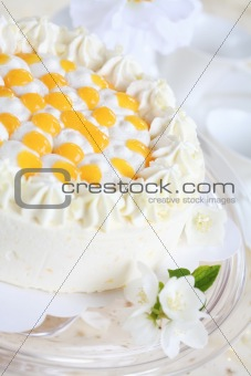 Yogurt cake with oranges