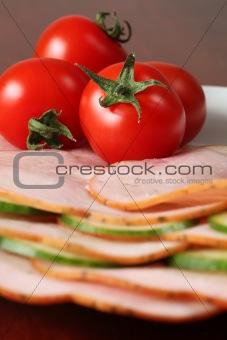 Tomatoes on ham