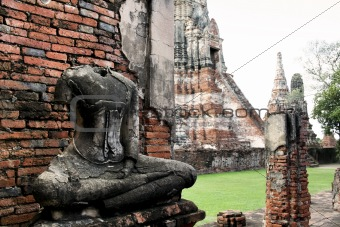 Ayuthaya temple ruins thailand