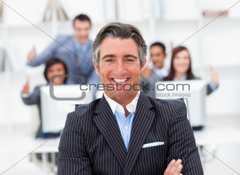 Presentation of a positive manager and his team