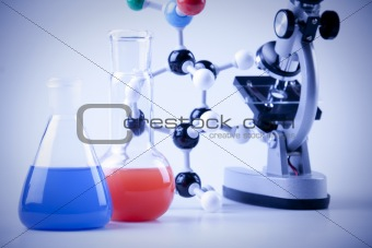 Chain model and laboratory equipment