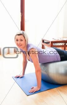 Caucasian woman doing exercice