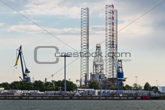 Drilling platform in dock