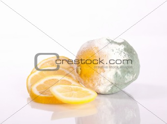 Fresh and rotten lemons