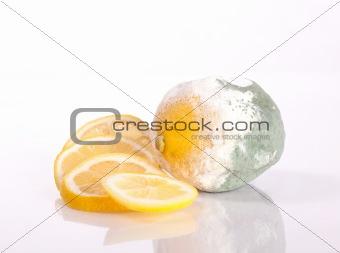Fresh and rotten lemons