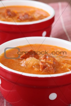 Cabbage and red pepper soup