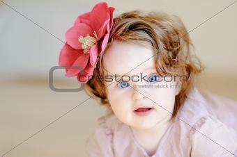 baby-rl witn flower