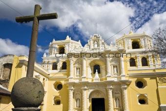 Cross in front of La Merced