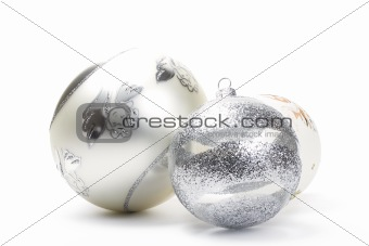 three white christmas balls