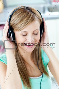 Animated caucasian woman listen to musik with headphones