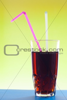 Cocktail glass with two jackstraws