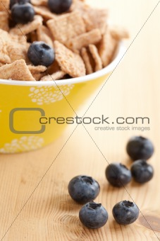 cinnamon cereals with blueberries