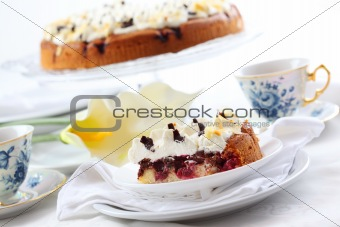 Cherry sponge cake with cream
